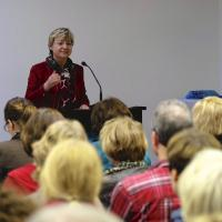Niedersachsens Kultusministerin Heiligenstadt während ihres Vortrages